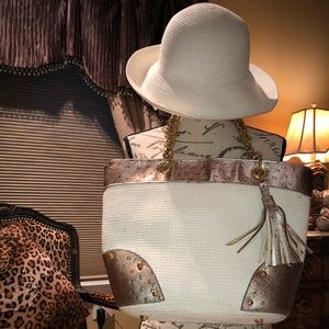 White/ copper Hat and beach bag set.